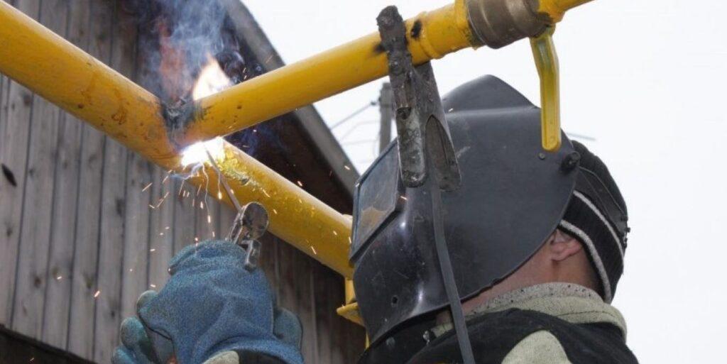 делать врезку и приварить трубопровод